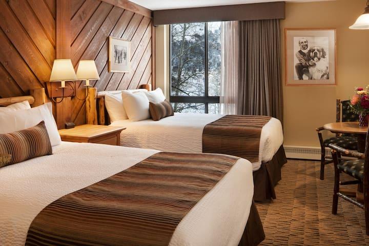 Mountain Lodge! Stonebridge Inn - Deluxe Room