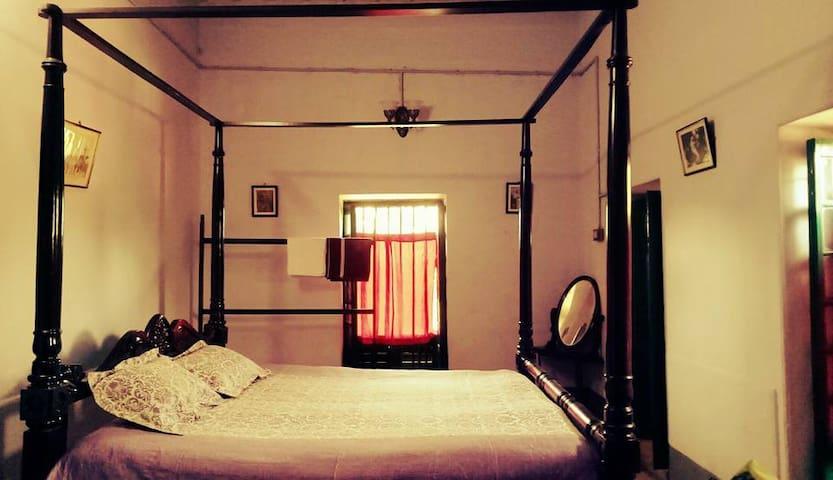 Amadpur的民宿