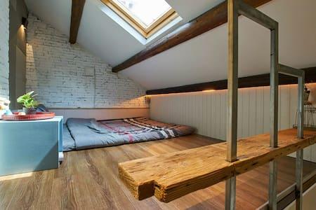 清新loft地铁沿线一室一厅