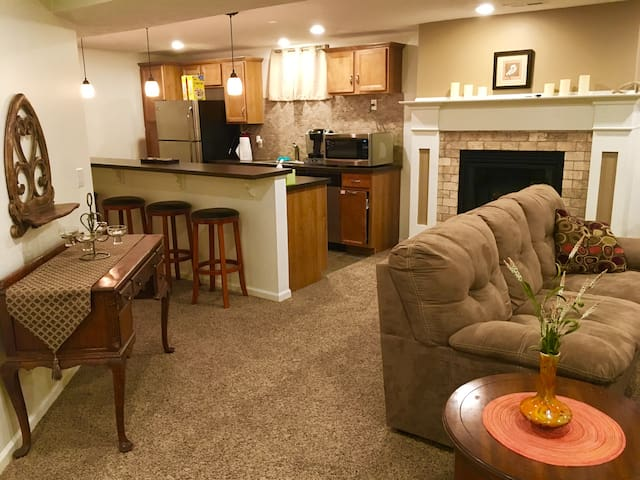 Comfortable Apartment in North/Central Omaha