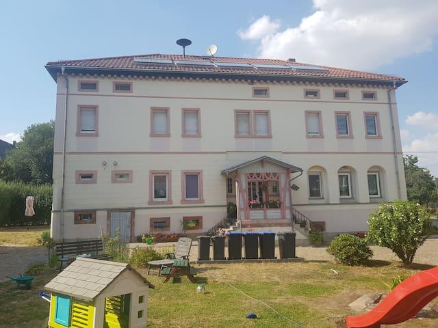 Langenleuba-Niederhain的民宿