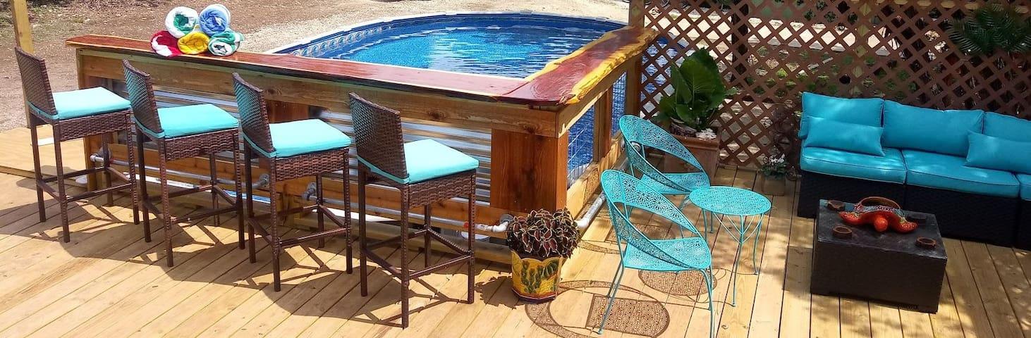La Casita (Peaceful & Tranquil) w/private hot tub