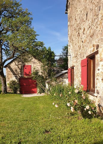 Saint-Just-sur-Viaur的民宿