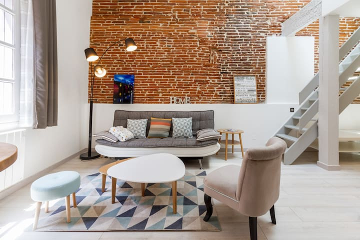 ❤️ Charming, Renovated Old Apartment in Carmes