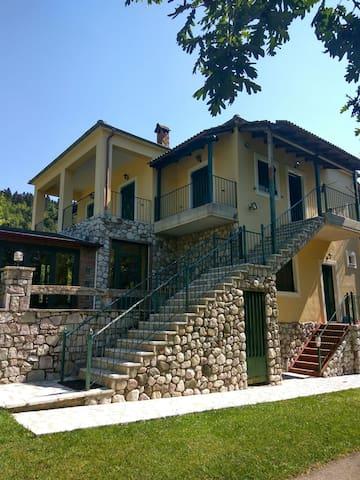 Karditsa的民宿