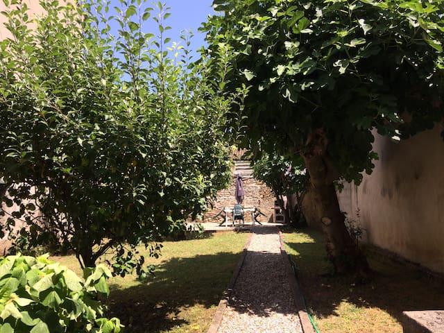 Espéraza的民宿