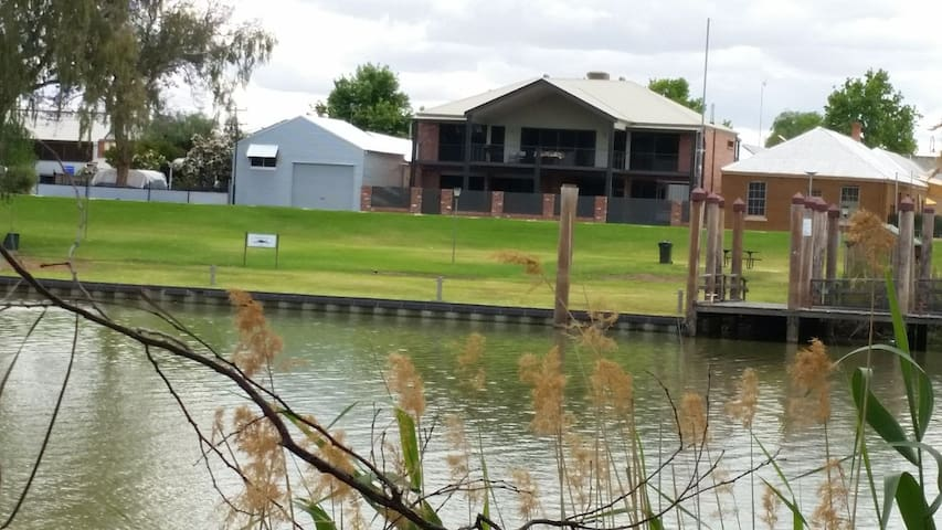 Wentworth Wharf Bed and Breakfast