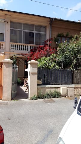 Town house 60m² for 4 pers wifi parking 10 min sea