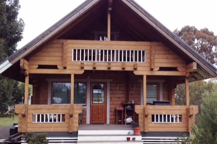 Stunning Timber Cottage