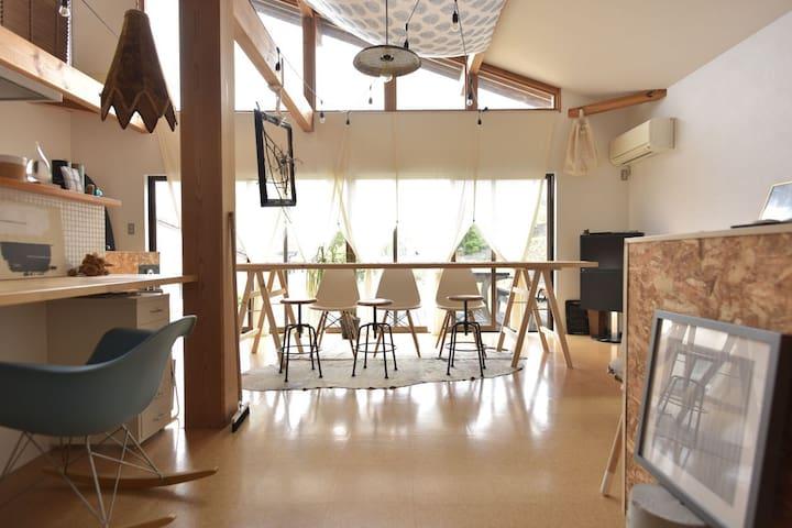 Cozy Design house with pick-up service ハウスオーナー在住