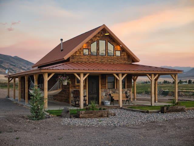 Cobblestone Canyon Ranch Cabin