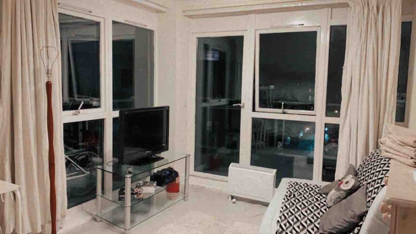Large Room With Own Balcony Central London