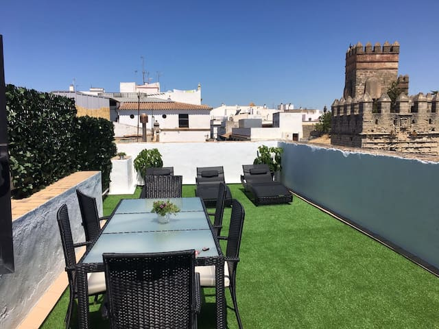 Apartamento en casa S.XVIII con terraza y garaje