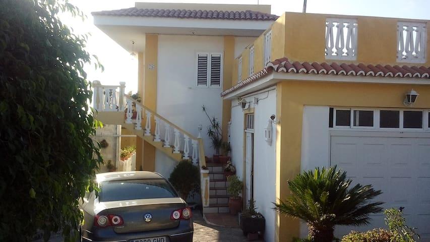 圣克鲁斯-德特内里费的民宿