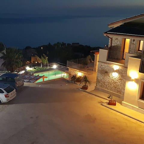 Marina di Palma的民宿