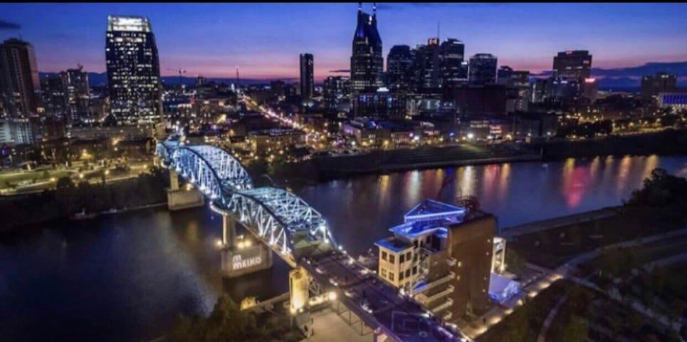 JG5 Jack Frost!!  Downtown Nashville!!!