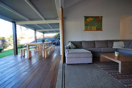 Beach House @ Coolum- Dog Friendly