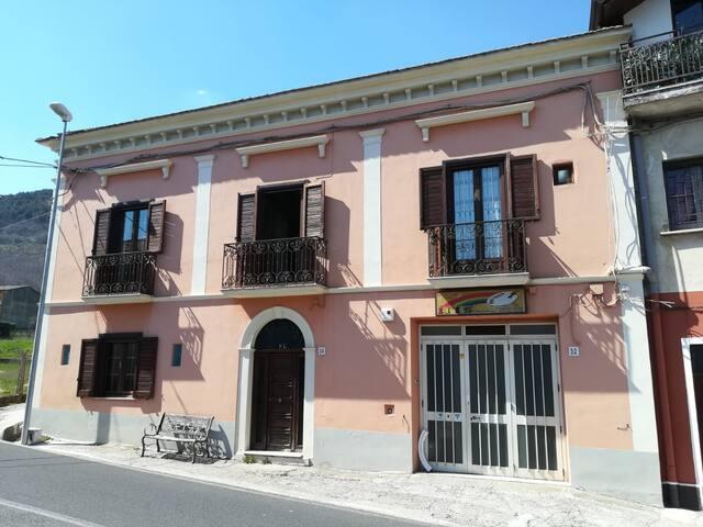Buonabitacolo的民宿