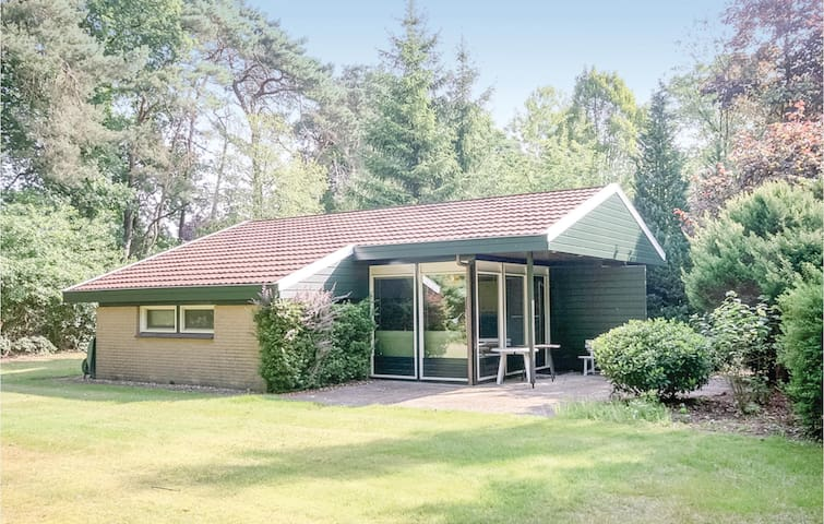 Holiday cottage with 3 bedrooms on 62m² in Denekamp