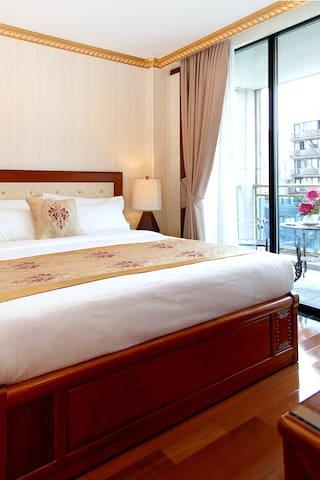The Allen Hotel, King Balcony