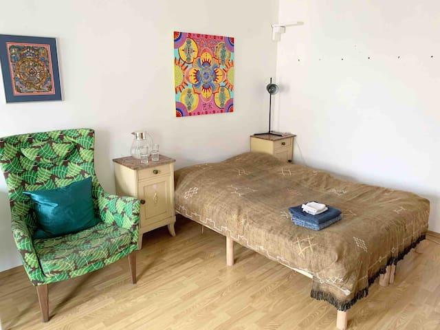 Spacious Room in Berlin's Koerner Kiez