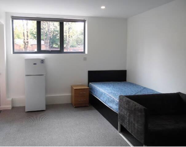2 Studio apartment
