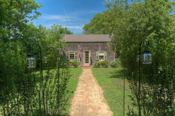 1880's East Hampton House-Long-Term Fall Rentals