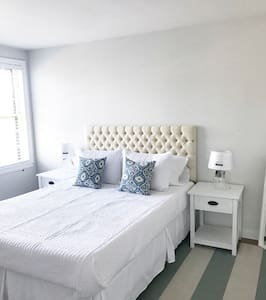 3 bedroom- walking distance to downtown (20A)