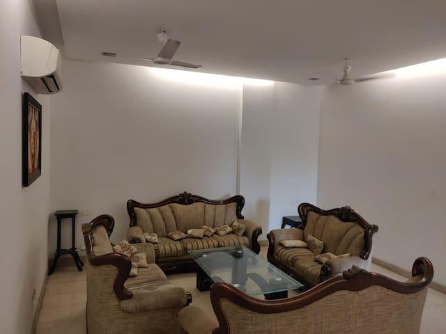 GJ house