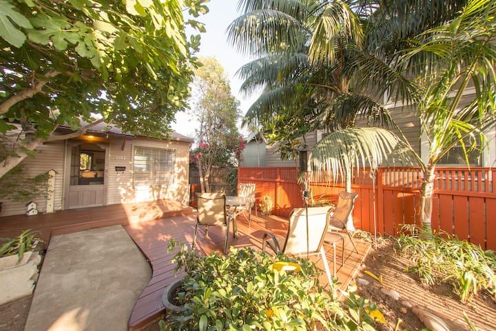 North Park Secret Cottage Outdoor patio & A/C