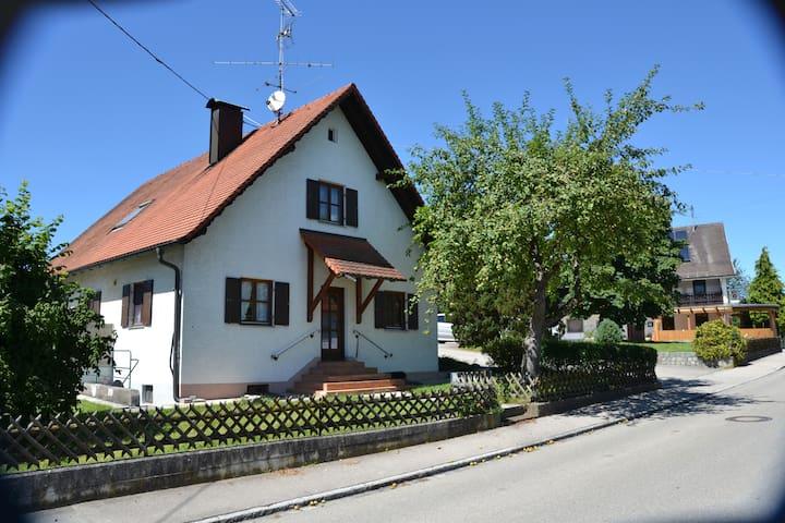 Scherstetten的民宿