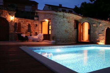 Villa Carla A6+2 Pula Croatia