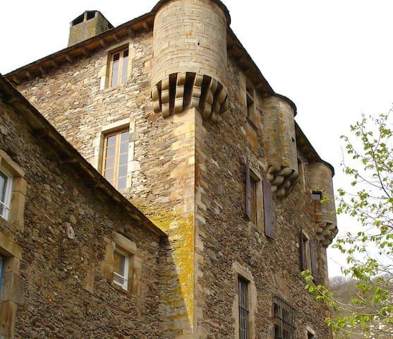 Balaguier-sur-Rance的民宿