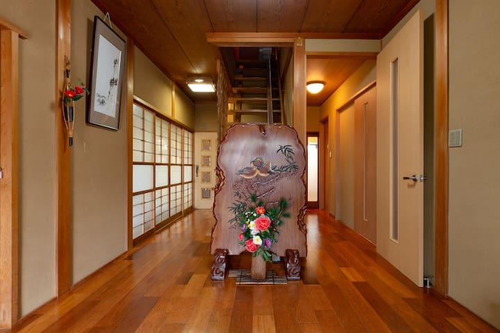 龟冈市的民宿