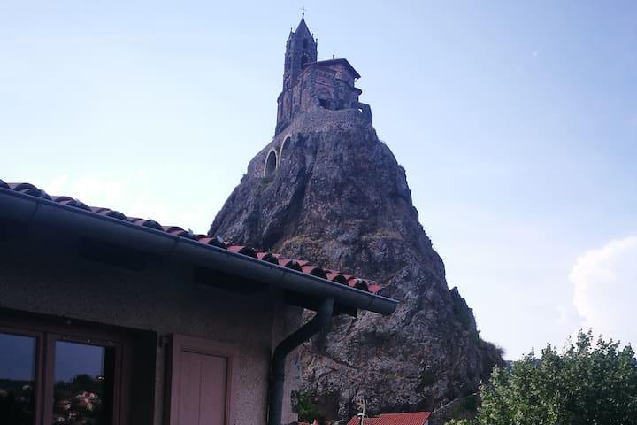 Studio avec balcon au pied du rocher d'Aiguilhe
