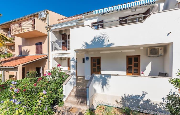 Apartments Vitas in Funtana / Two-Bedroom Apartment Vitas I