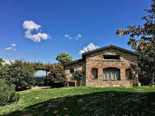 Piozzano的民宿