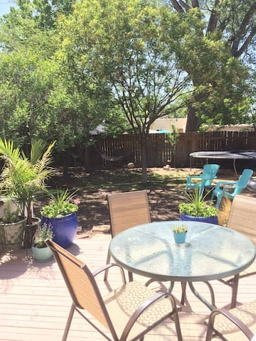 Charming Nob Hill Garden Casita with Pool