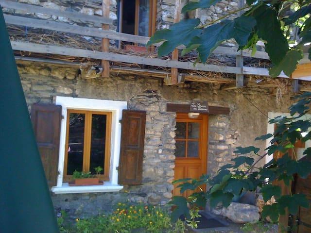 La Source des Diounes - Maison T3 - Besse Isère