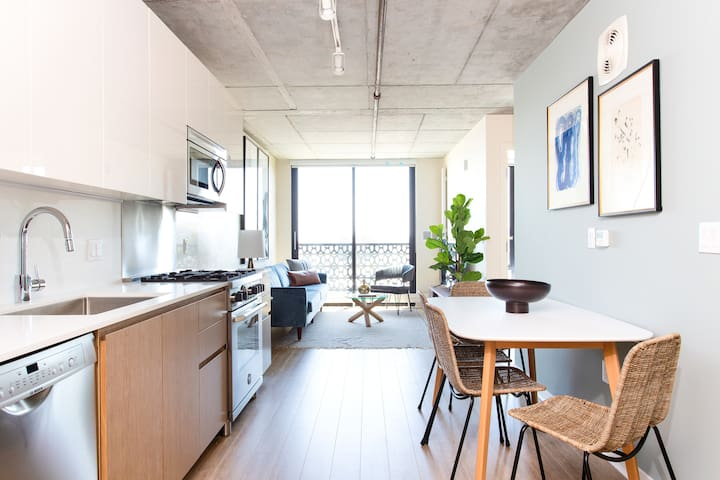 Sonder | Duboce Apartments | Dreamy 1BR + Rooftop