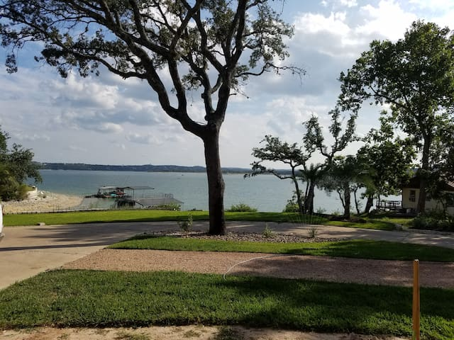 Lake Travis Water Front Apartment with Boat Launch