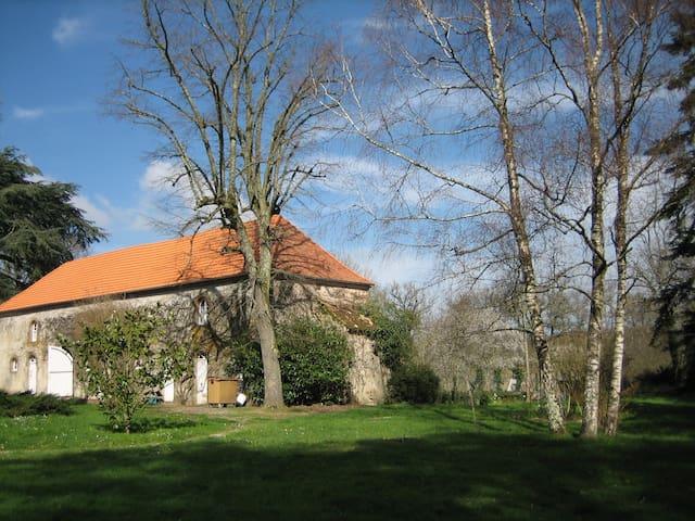 Verneuil-Moustiers的民宿