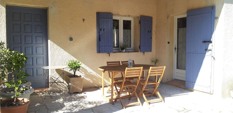 Gîte à la Roque sur Pernes (Provence-Vaucluse)