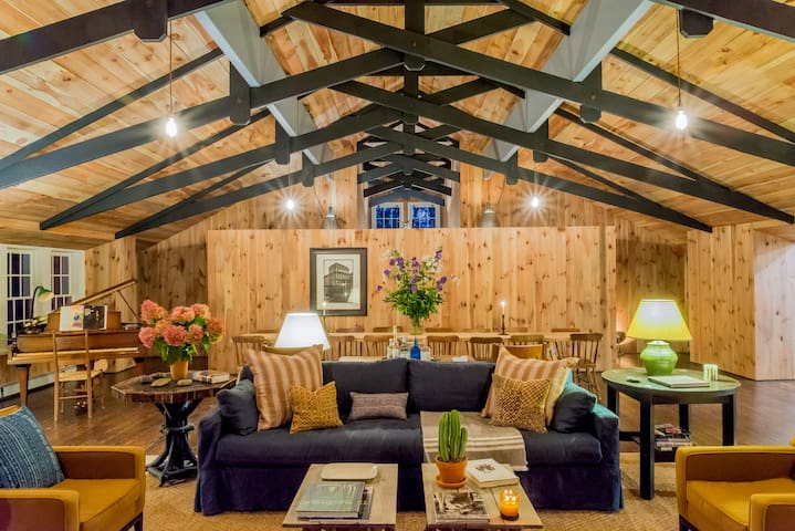 Modern Renovated Adirondack Lodge