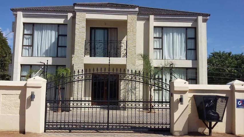 Gaborone的民宿