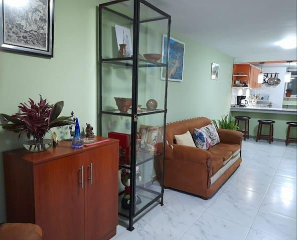 Hermosa casa duplex con entrada independiente