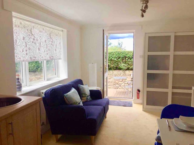Cosy and bright annexe in Hayle, near St Ives