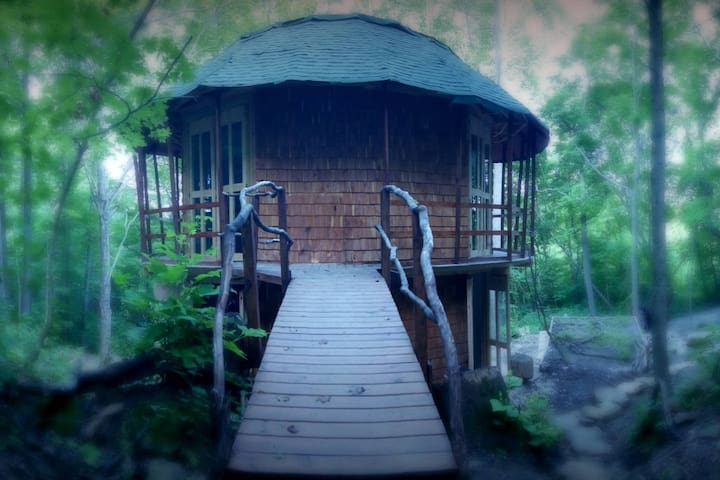 Lost River Hostel - The Autumn Room
