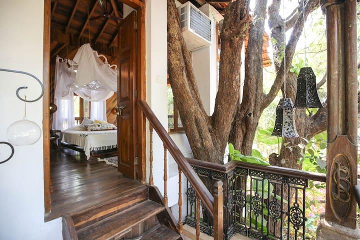 Wow Romantic Tree House, Anjuna-Vagator, North Goa
