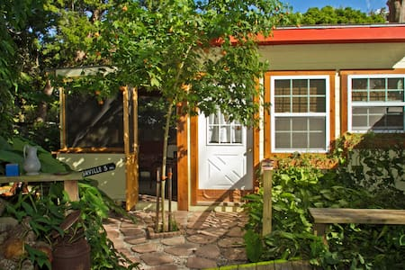 Cute Tropical Cottage